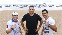 Lutadores do UFC visitam praias de Fortaleza