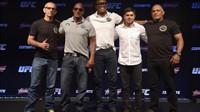 Coletiva do UFC com Anderson Silva e sua equipe sobre seu retorno